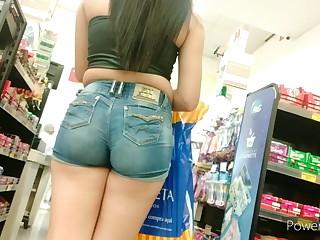 Na fila shorts la dentro