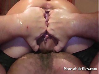 Fist shagging her squirting scuttle vagina