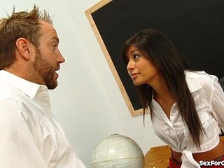 Teen Slut Sucks Up To Say no to Teacher