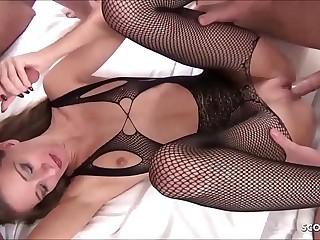 DP Anal Vierer für schlankes Deutsches Teen SexyRia im Hotel - German Teen