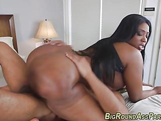 Running booty ebony fuck