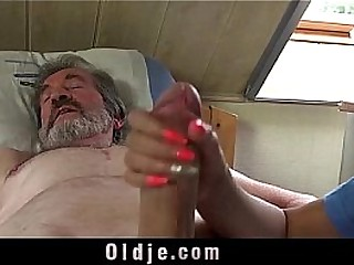Teen nurse Descendant Dee fuck treatment for sick old patient