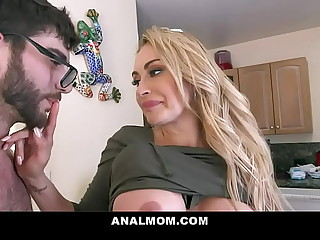Fucking My Best Callers Mom In Transmitted to Ass